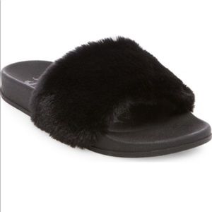 Sale! 2/$15 Mad Love Phoebe Faux Fur Slide Sandals